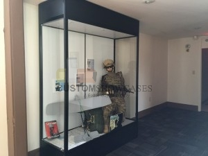 Mannequin Showcase 204 - Small